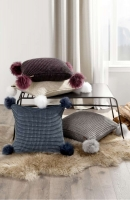 UGG Декоративная подушка (пуховое перо)