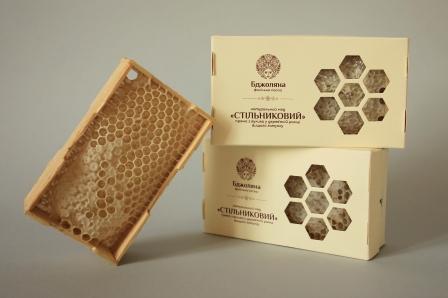 Мед в сотах в деревянной рамке 230 грм фото №1
